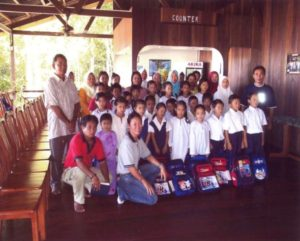 2006 Sponsor Stationery to Abai Student